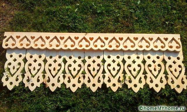 Изделия из дерева смотрятся гармонично на деревянных сооружениях