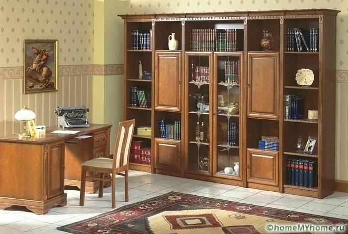 Модели из дерева подходят для классических интерьеров. Стоимость подобных изделий варьируется от 70 до 200 тысяч рублей