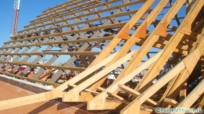 Качественную конструкцию крыши создать не просто