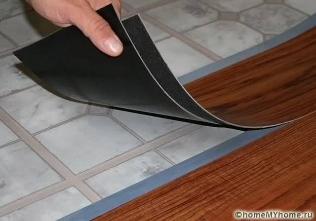 Правильно установленный современный линолеум можно не демонтировать перед укладкой ламината