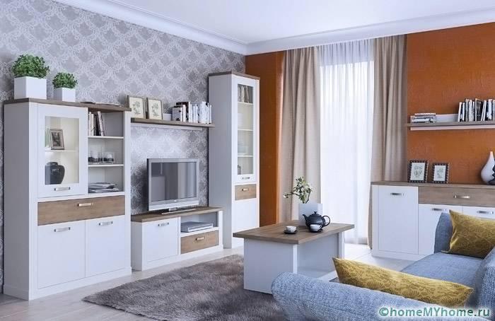 Горка в стиле прованс может иметь простой дизайн. Модульную конструкцию Прованс можно купить по цене от 40 тыс. рублей