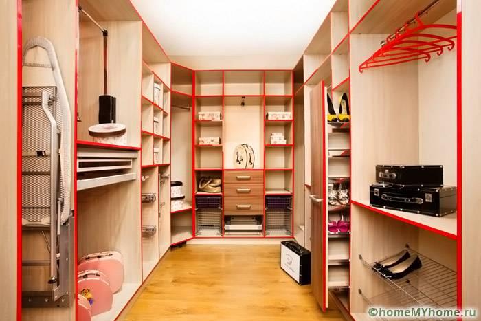 При оформлении помещения стоит использовать облицовочный материал светлых тонов