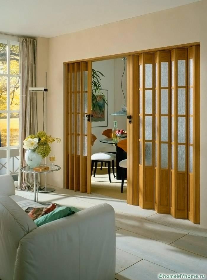 Дверь гармошка – это универсальный элемент для любого интерьера