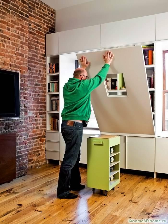 Откидные столы позволяют сэкономить максимум полезной площади