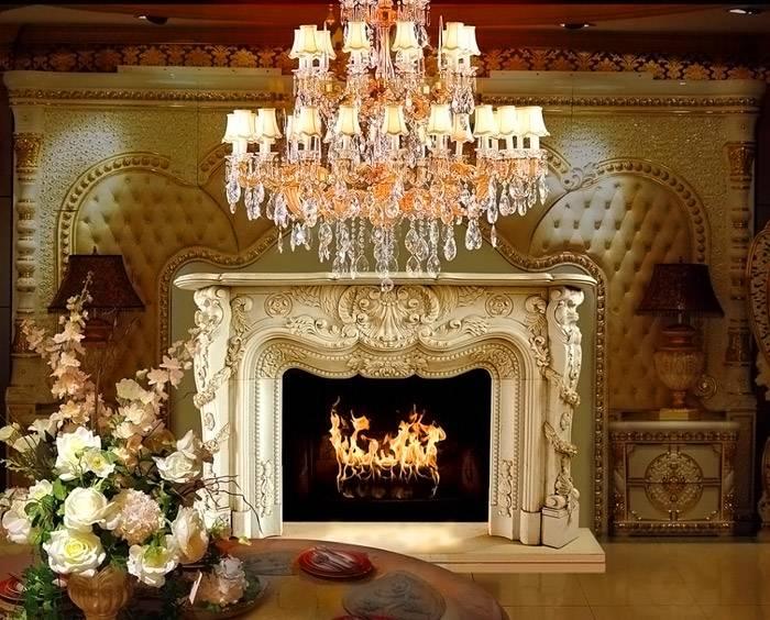 Опытные дизайнеры умело используют камин в качестве гармоничного акцента при создании эффектных интерьеров