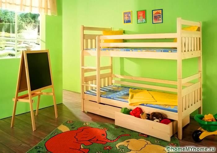 Двухъярусные спальные места замечательно смотрятся в детской
