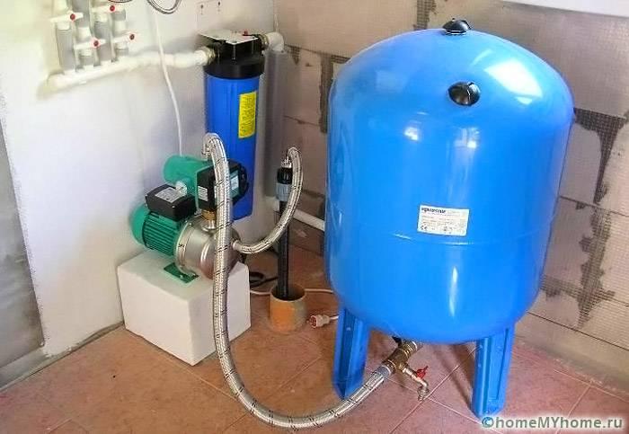 Для создания большого запаса воды устанавливают крупный накопитель