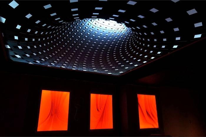 Источники света установлены внутри конструкций