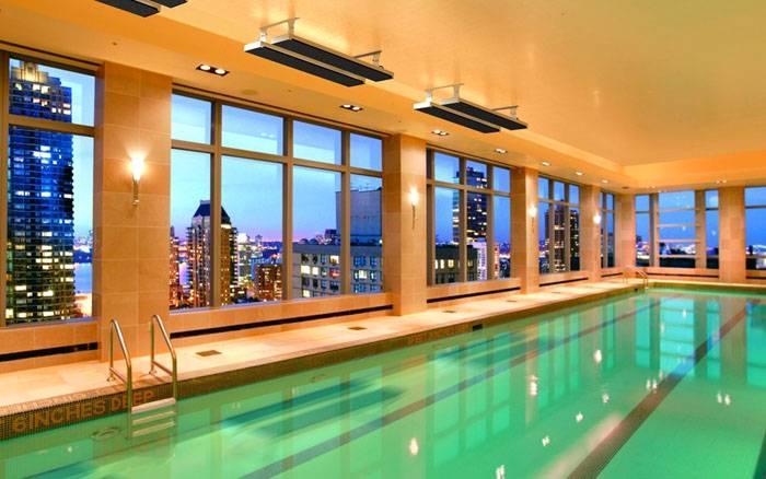 Обогреватели инфракрасные электрические потолочные применяют для поддержания комфортной температуры воздуха и воды в бассейне