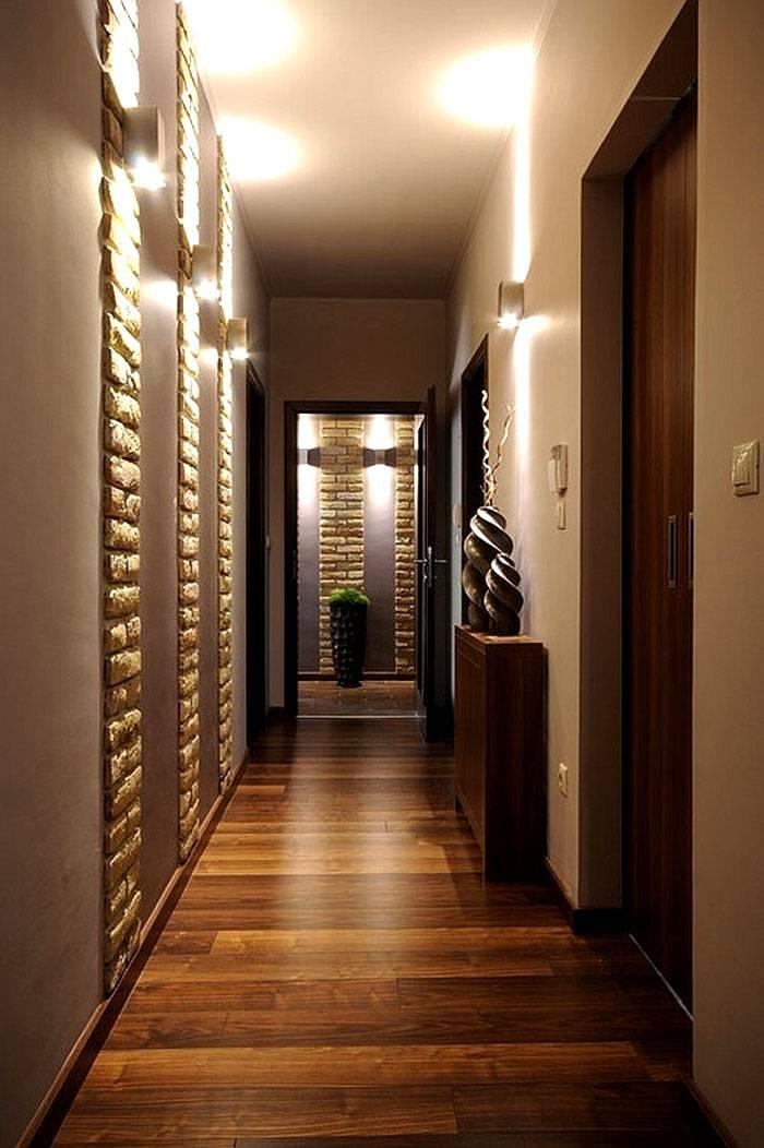 Здесь световые потоки использованы для акцентирования выразительных частей интерьера