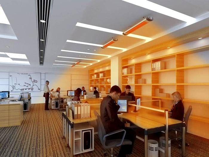 В офисе направляют тепловое излучение на рабочие места. Это помогает экономить электроэнергию