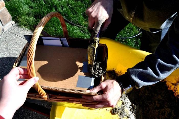 В качестве формы можно использовать любые ёмкости, в том числе - плетёные