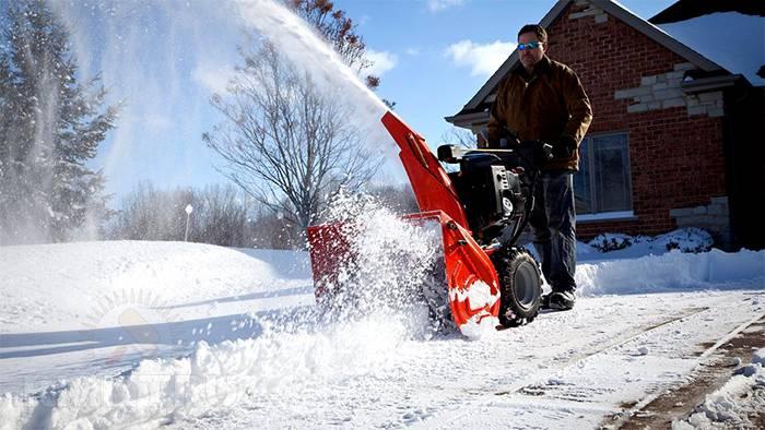 Cнегоуборочная техника для дома и дачи
