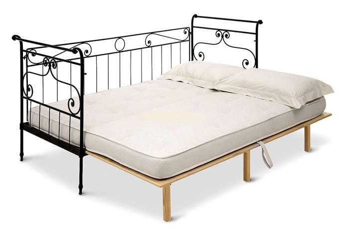 Металлические кровати – самая популярная модель