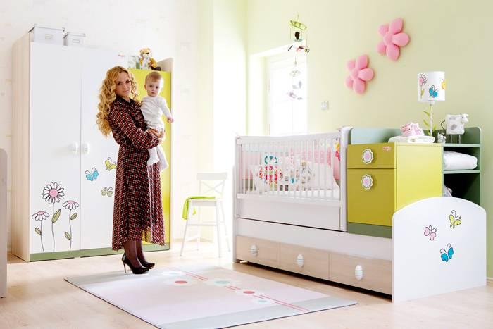 Детская кроватка-трансформер будет расти вместе с малышом