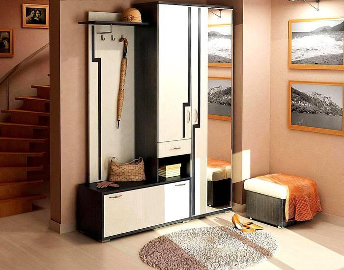 Минимальные требования для коридора – шкаф для одежды и полки для обуви