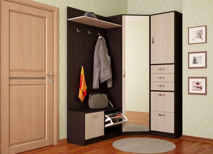 Угловой шкаф почти не заметен