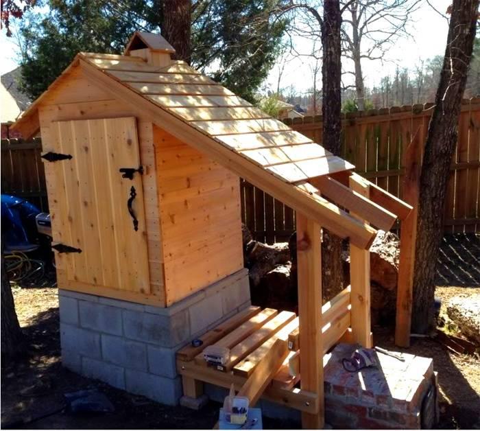 Функциональное сооружение из древесины