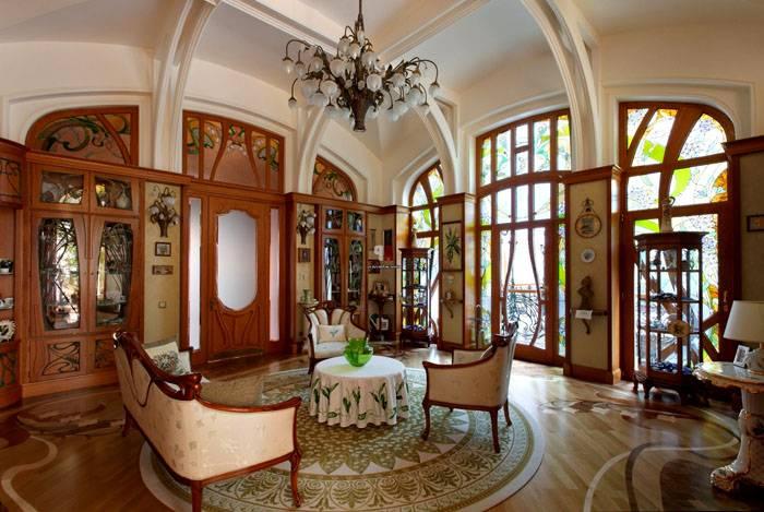 Оригинальный интерьер гостиной