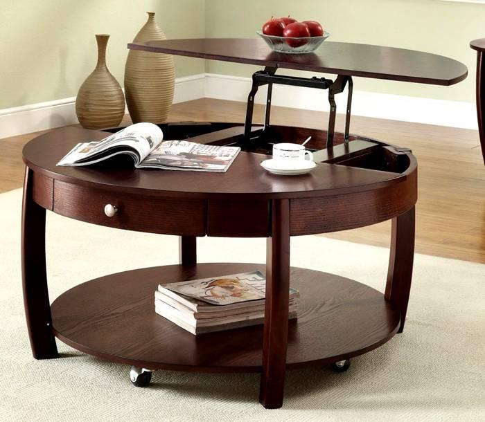 Круглую – такие изделия очень эстетичны, кроме того, за круглый стол можно посадить большее количество гостей