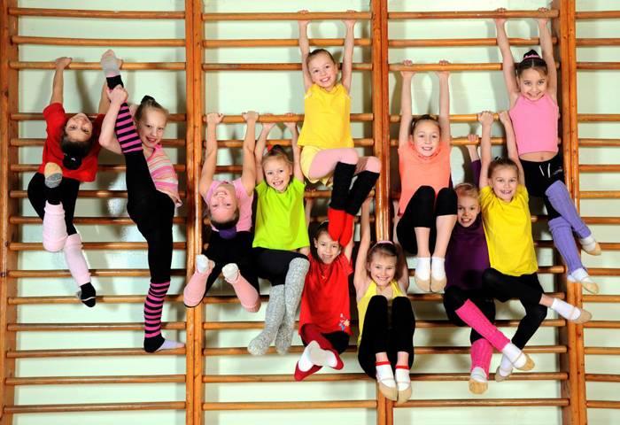 Физическая активность необходима детям в любом возрасте, их энергию нужно направлять в занятия спортом