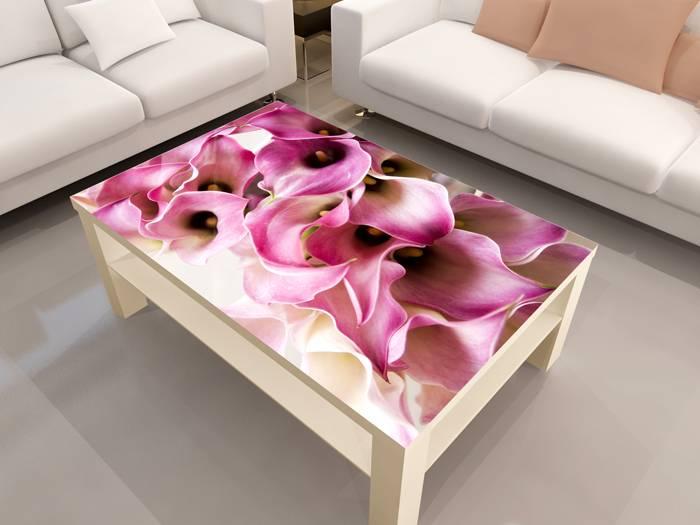 Красочно оформленная столешница станет украшением комнаты