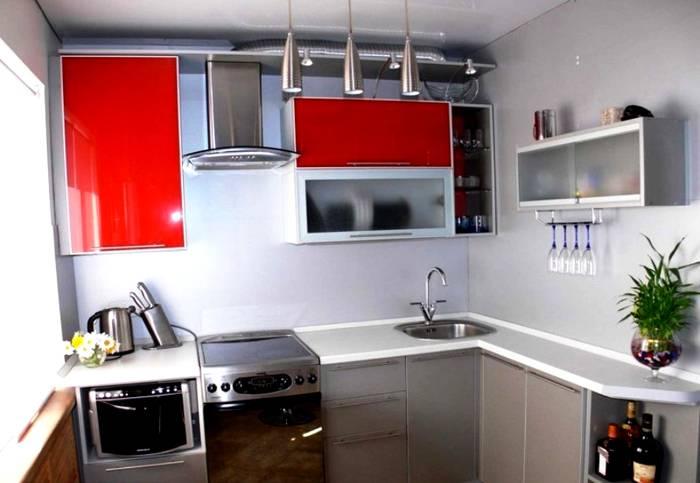 Даже небольшую кухню можно преобразить