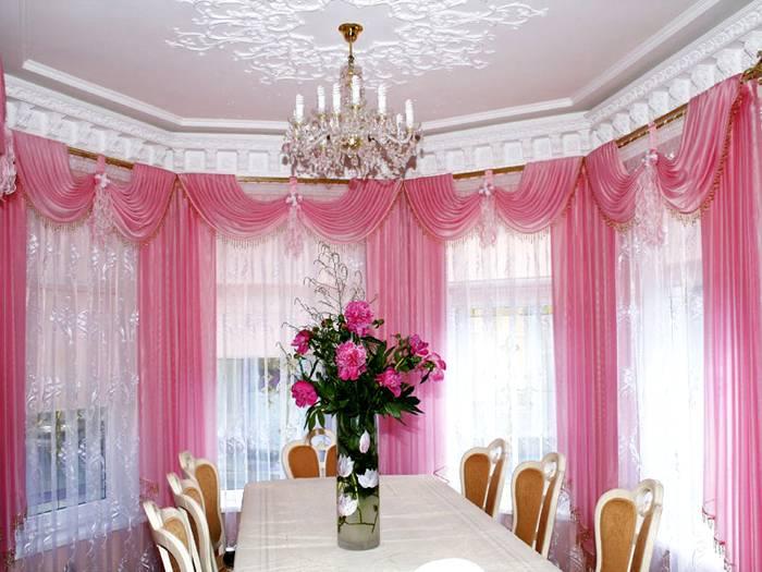 Оригинальное украшение гостиной