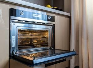 Духовой шкаф с функцией микроволновки