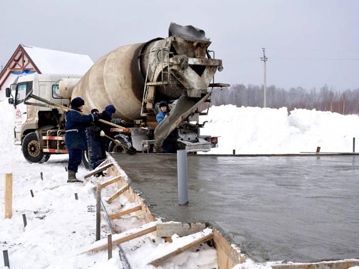 При какой температуре можно заливать бетон