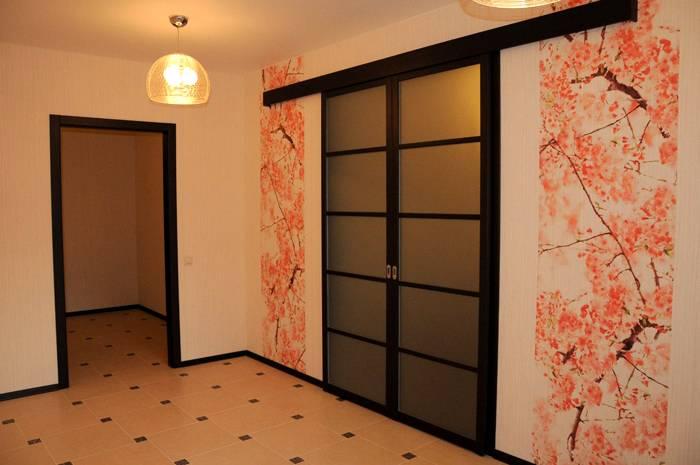 Можно нанести на стены виниловую пленку для оклейки мебели