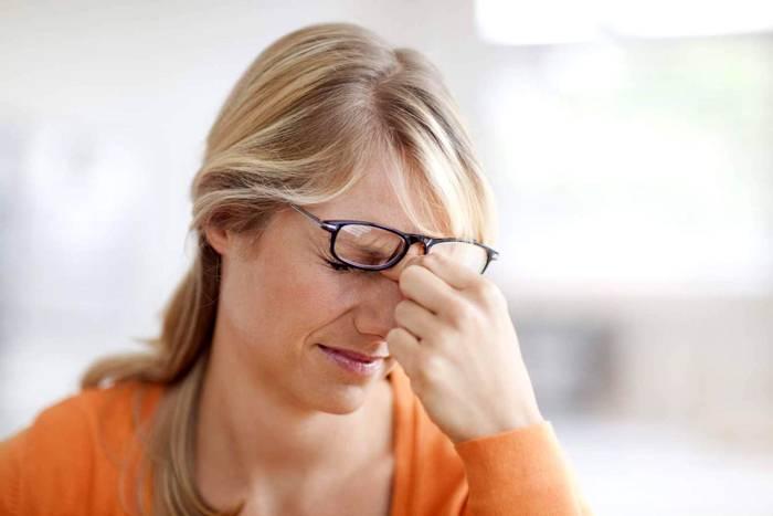 Ухудшение зрения может быть связано с пересыханием слизистой оболочки глаза