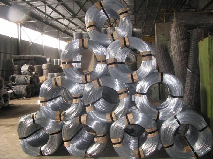 Вязальная проволока используется в самых разных отраслях: машиностроении, строительстве, промышленном производстве