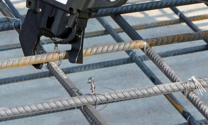 Для пущей надёжности соединения частей арматуры можно отрегулировать на инструменте силу затягивания