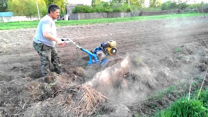 Работа техникой на подготовленной почве