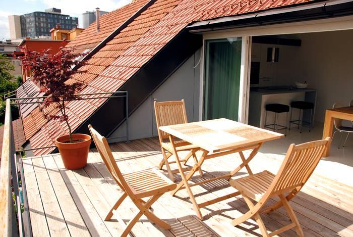 Здесь можно комфортно отдохнуть и использовать крытую террасу для семейных обедов или дружеских посиделок