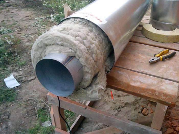 Обмотка трубы минеральной ватой