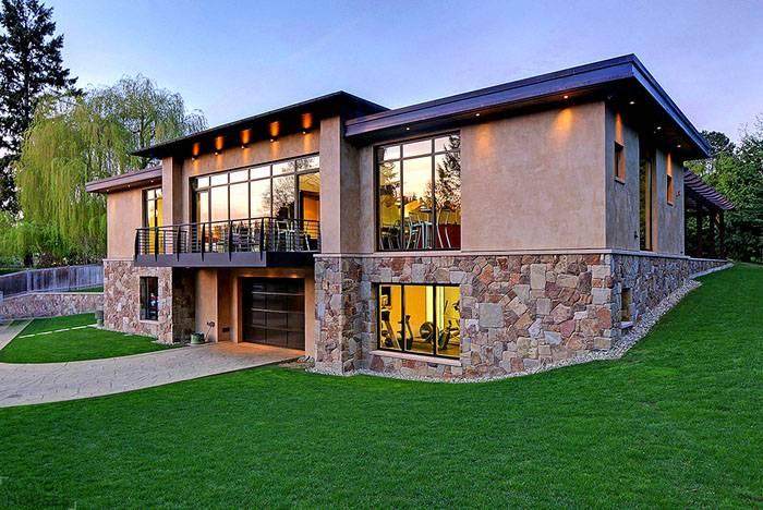Исследования показывают, что наличие гаража в доме повышает рыночную стоимость построенного жилья