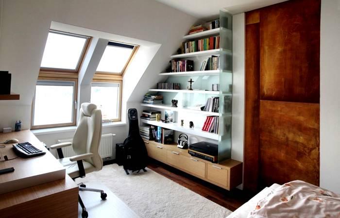 Максимум естественного света и удобная мебель станут дополнительным стимулом к творчеству