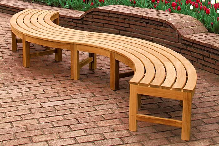 Из дерева можно соорудить самые замысловатые формы