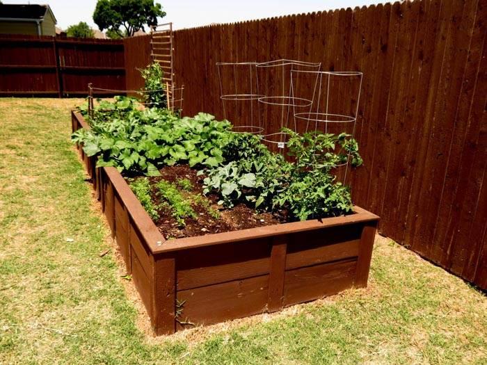 Земля от таких конструкций не распространяется по всему огороду