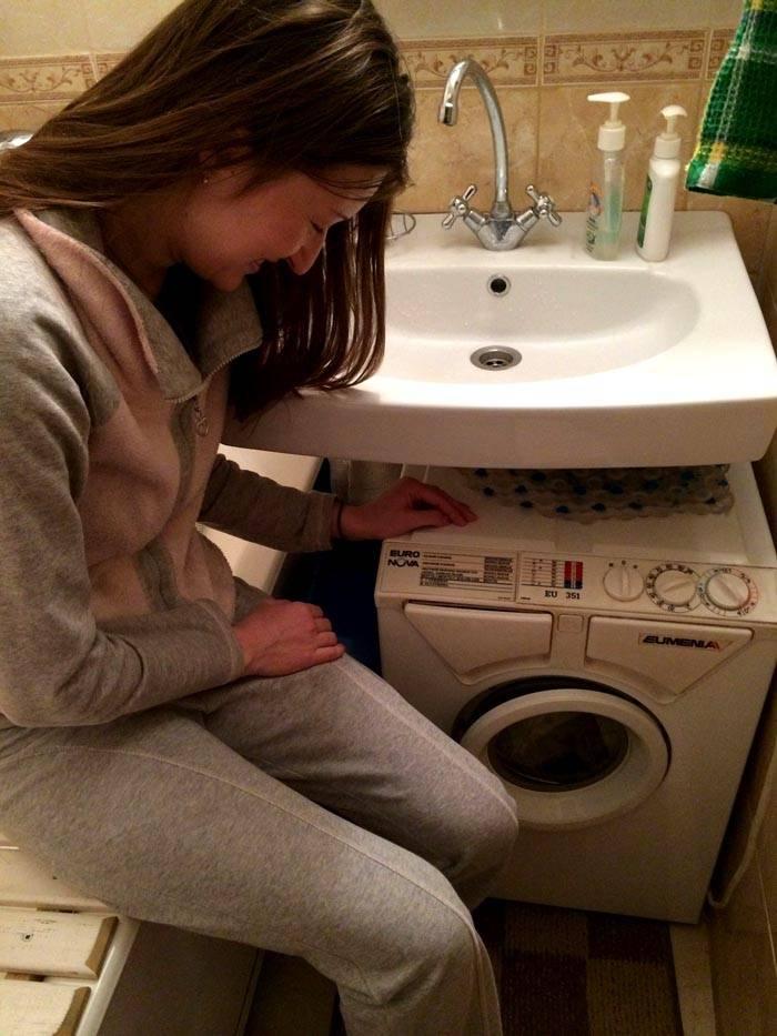 Даже в очень узкой ванне можно стирать белье