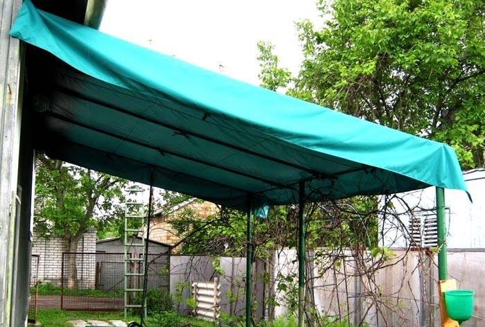 Из ткани получится неплохое защитное средство от солнца и дождя