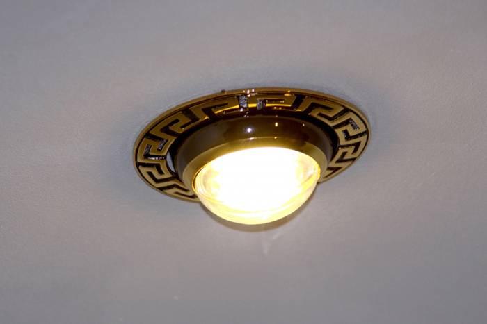 Бесповоротный светильник