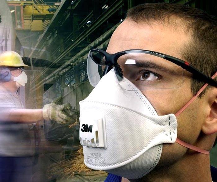 Качественные средства индивидуальной защиты применяют не только на производстве, но и в быту при работе на станке