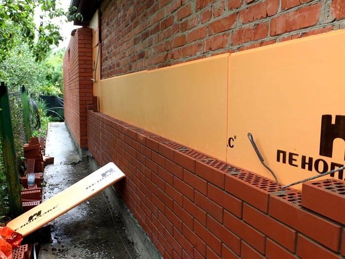 Стена подойдет для фасада здания