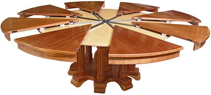 Вот, как выглядит круглый раздвижной стол для кухонной зоны