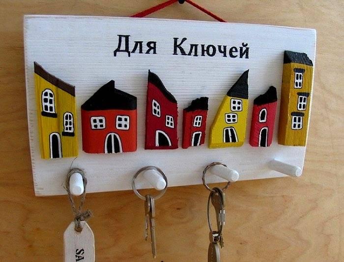 Декоративные домики из картона добавят изюма композиции