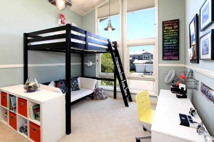 Диван и кровать в одном комплекте создают больше простора