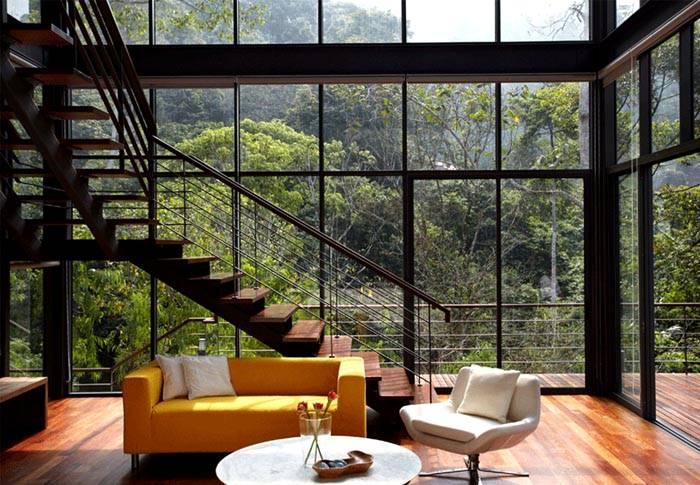 Этот дом можно назвать стеклянным. Действительно – верх дизайнерской мысли